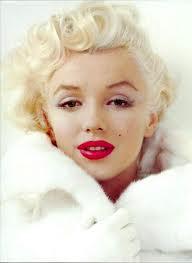 MumptyStyle Marilyn Makeup