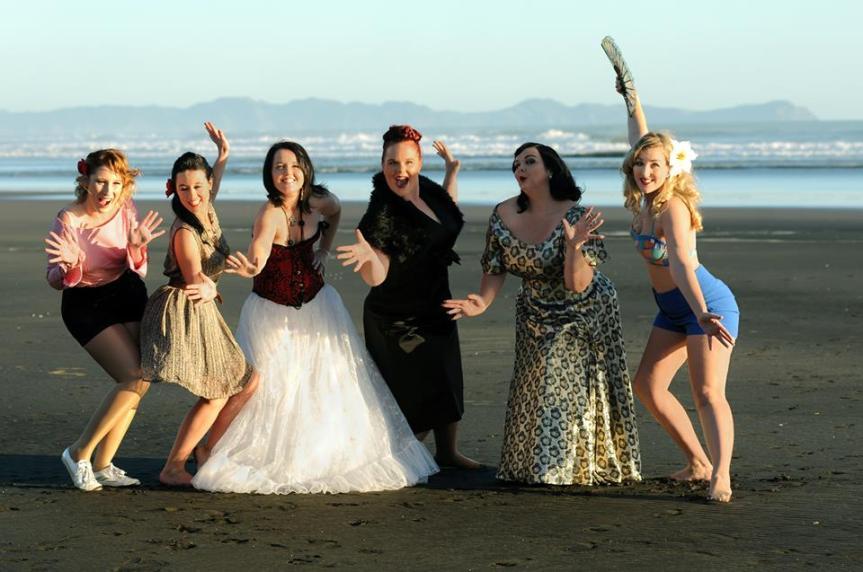 MumptyStyle Six Girls on a Beach