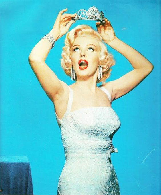 Marilyn_crown