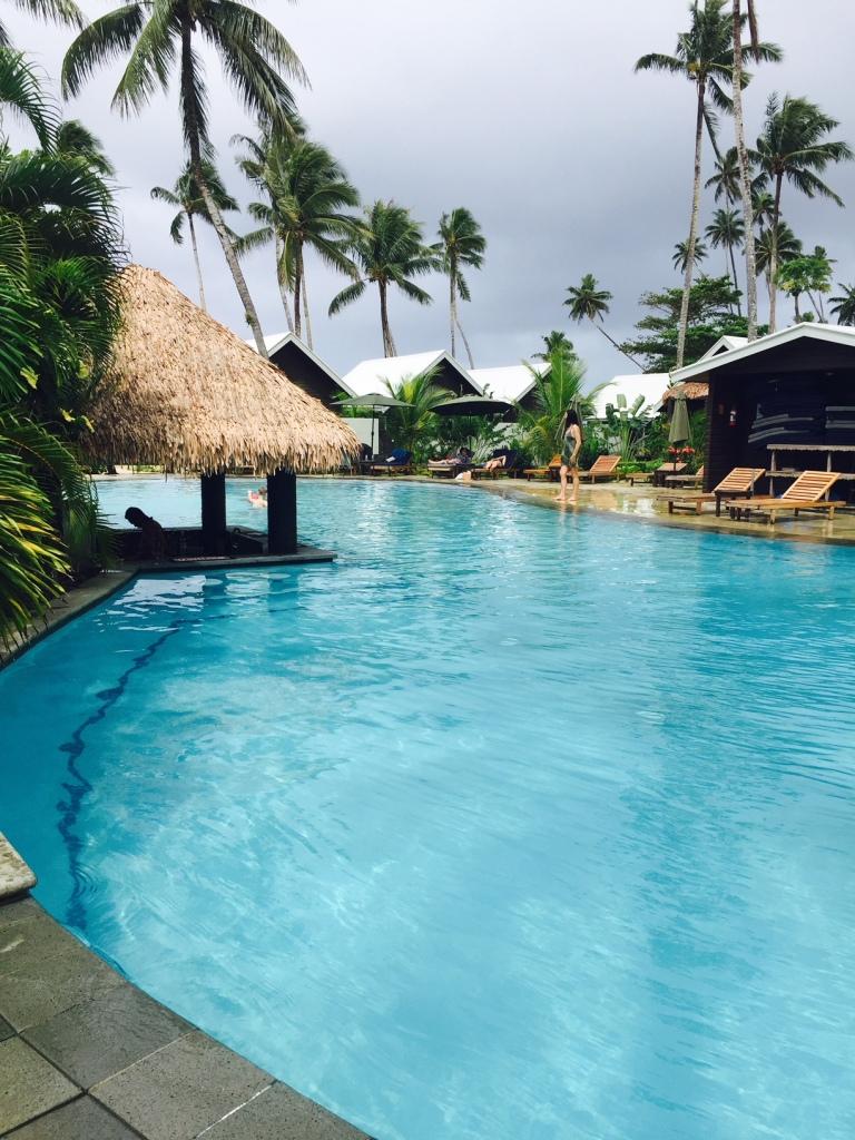 Travel_Tips_Samoa_Saletoga_Sands_Swim-up bar